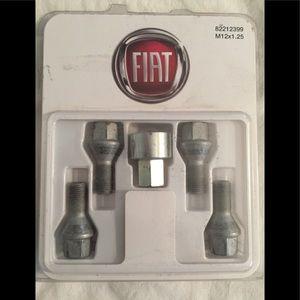 FIAT 500 Wheel Lock Kit